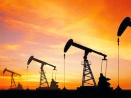 Rising oil prices herald end of honeymoon for Pakistan's economy