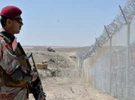 Pakistan is building a fence along border with Afghanistan