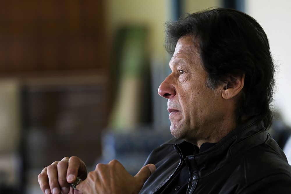 Imran Khan Says Pakistan's Army Wants to Mend Ties With India